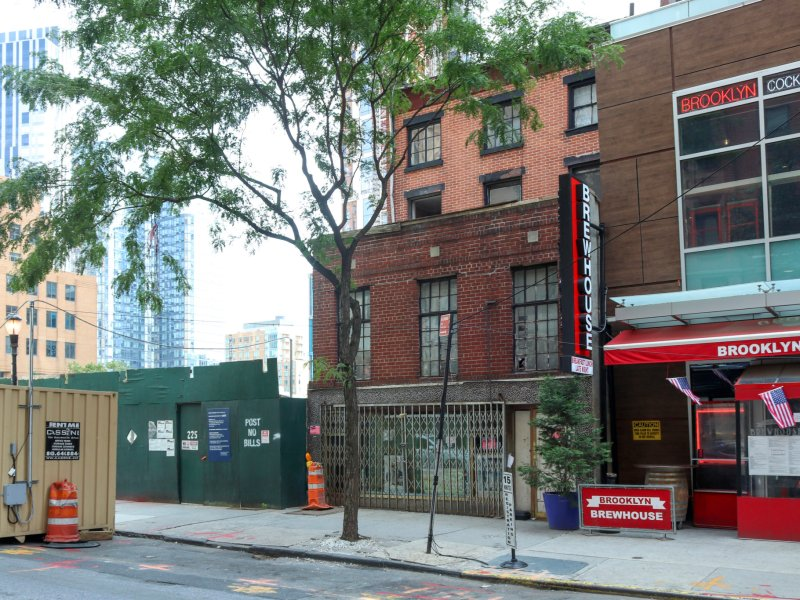 Politicians, advocates testify for hours in favor of landmarking Downtown abolitionist house