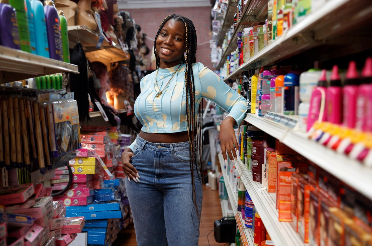 This teen entrepreneur opened a beauty shop during pandemic