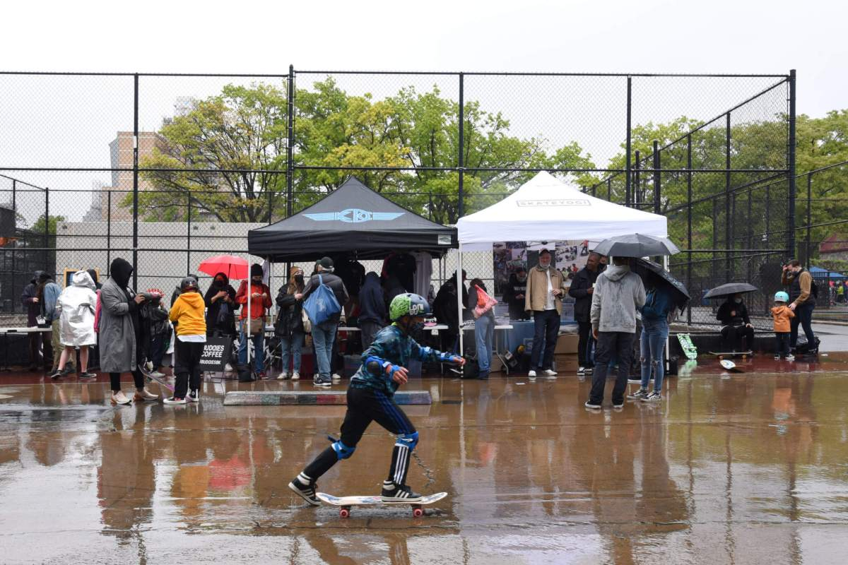 Kids, moms learn to shred on 'Skate With Your Mom Day' at Washington Park