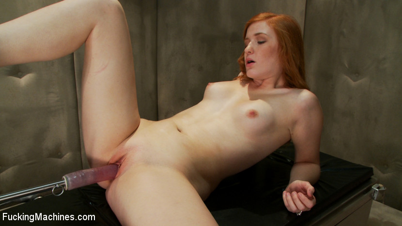 Redhaired hottie Lizzy Rose gets her smooth pussy used by