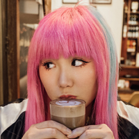 pink hair girl photo shoot in Melbourne cafe