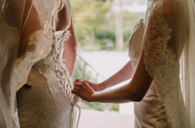 bride-prep-getting-ready-photo-Melbourne-4