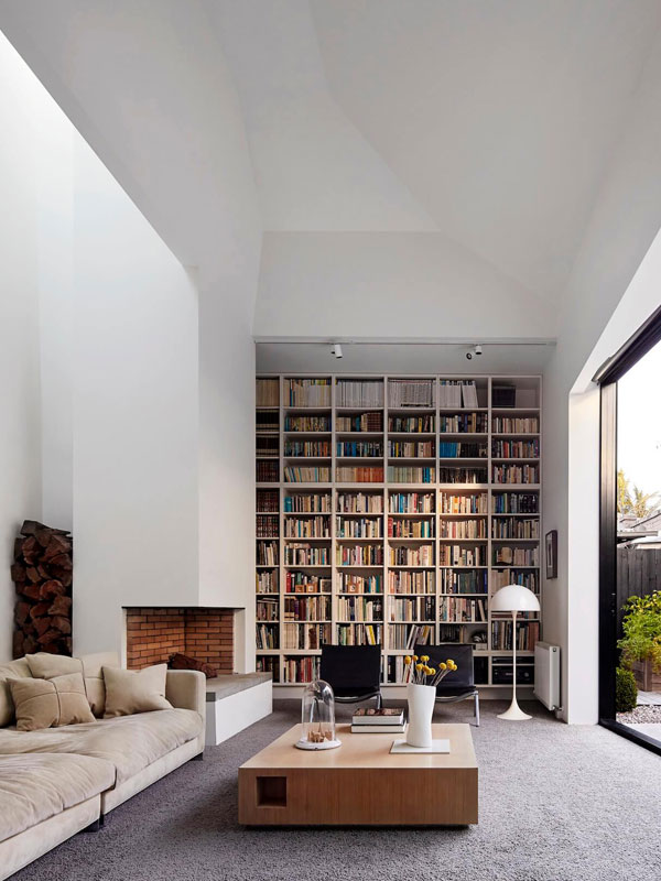 A MIMINALIST LIBRARY, AUS // DESIGN: Coy Yiontis // PHOTO: PETER CLARKE