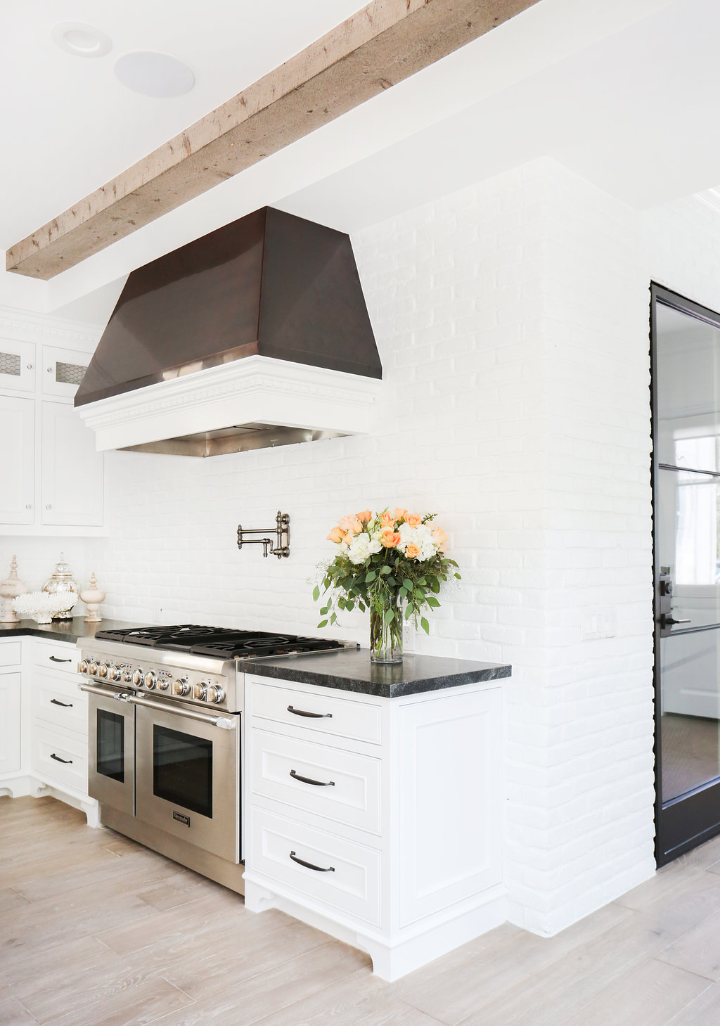 blackband_design_bayshores_kitchen_2