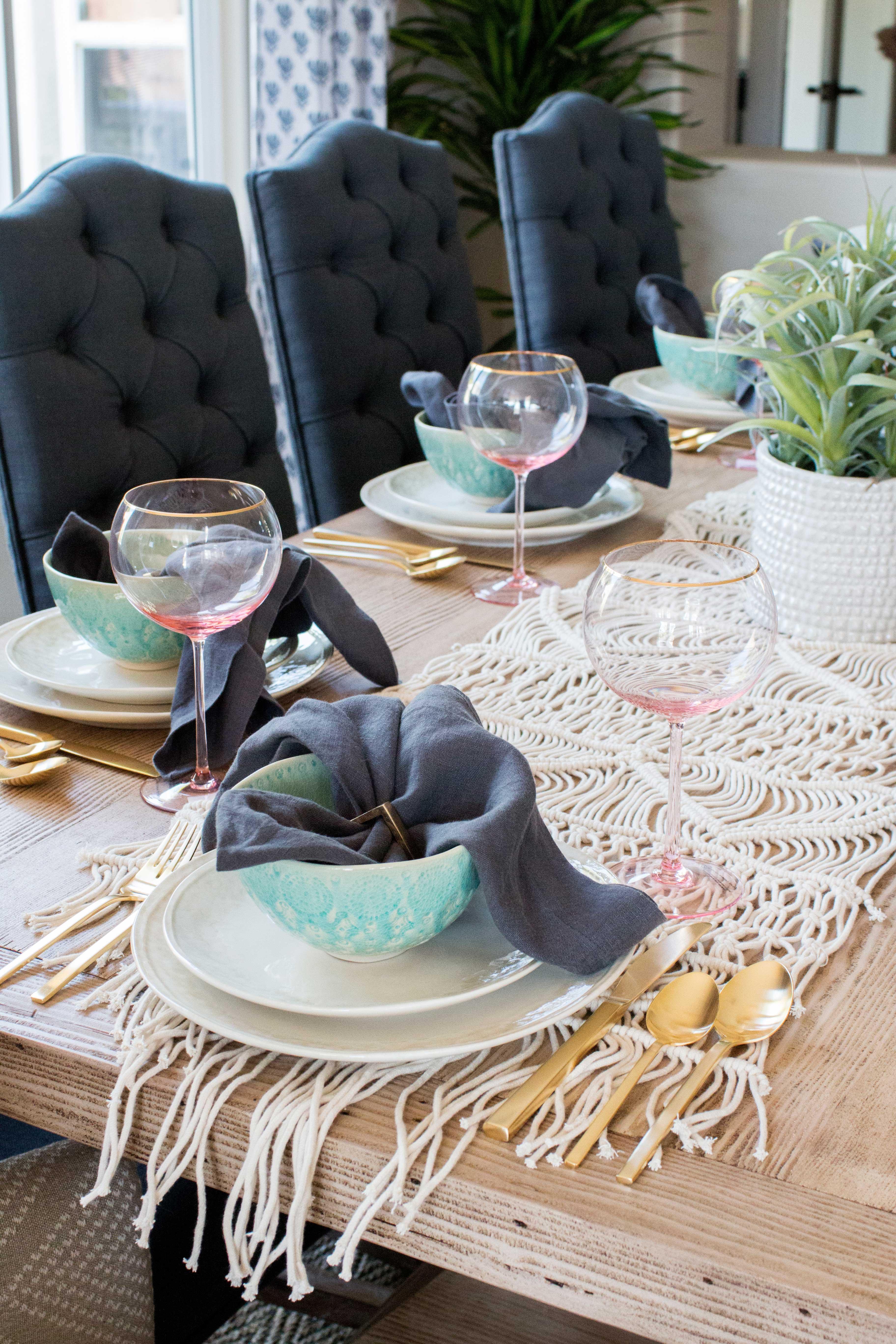 blackband_design_dining_table_setup_13
