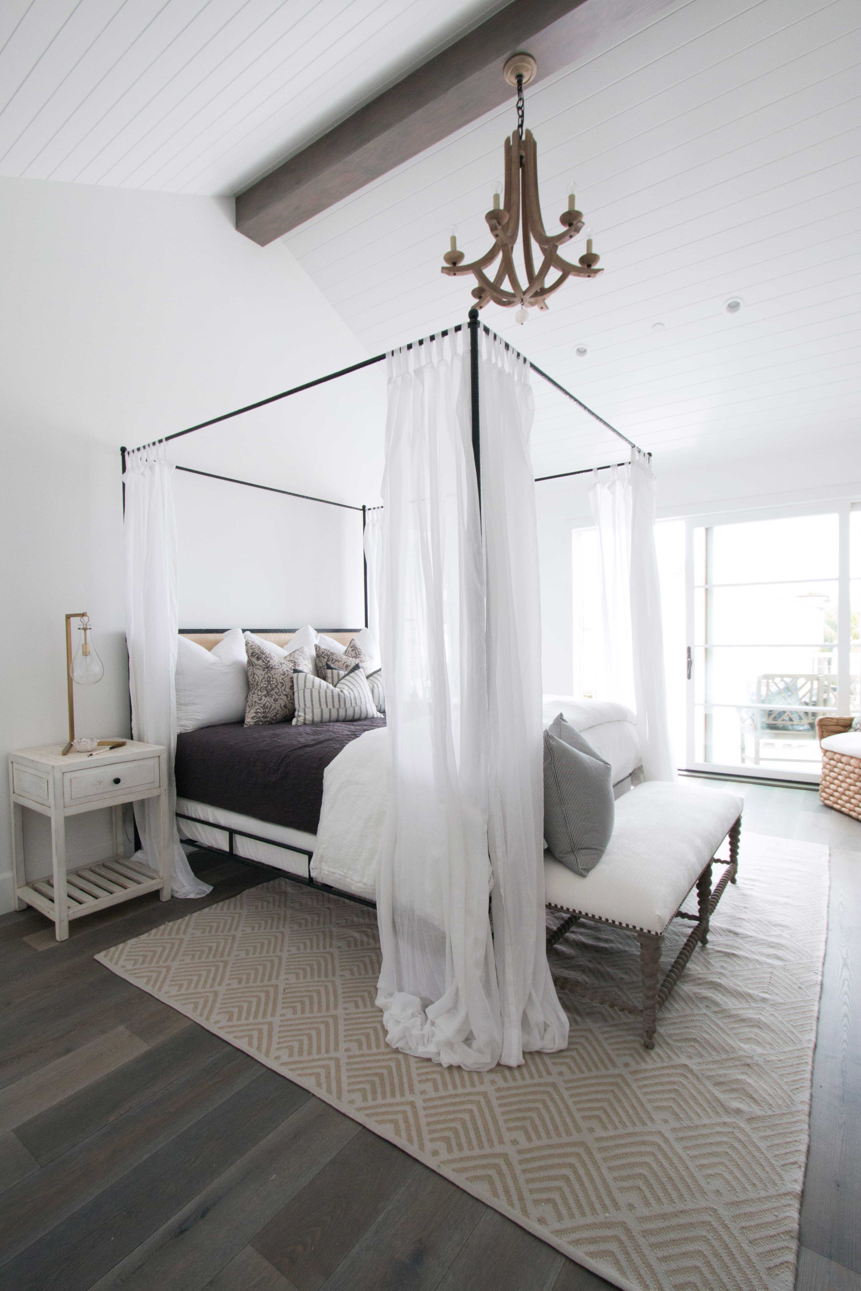 blackband_design_project_west_bay_master_bedroom_01