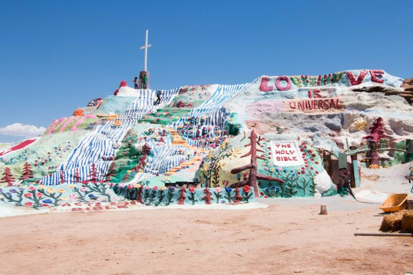 weekend-roadtrip-salvation-mountain-18