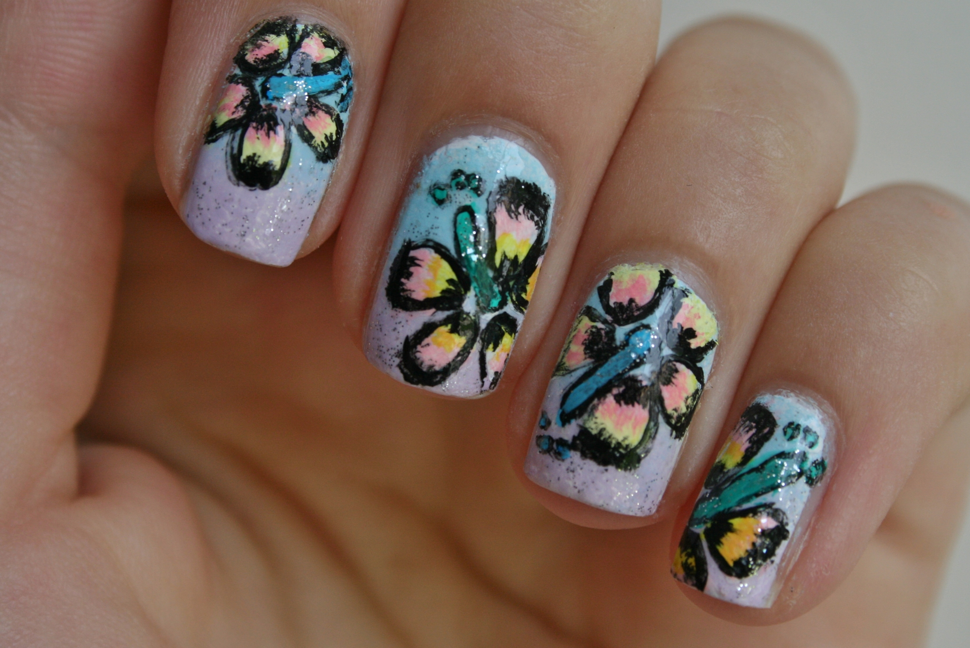 Hawaiian flowers nail art
