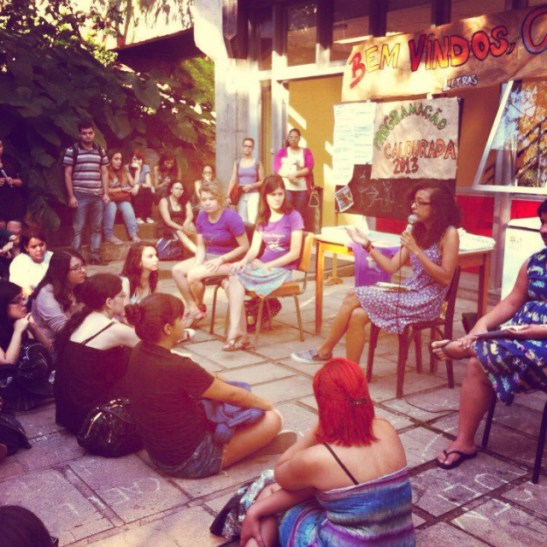 Photo of the activity about the representation of the black woman in literature, organized by the feminist collective Marias Baderna in freshman reception week of 2013