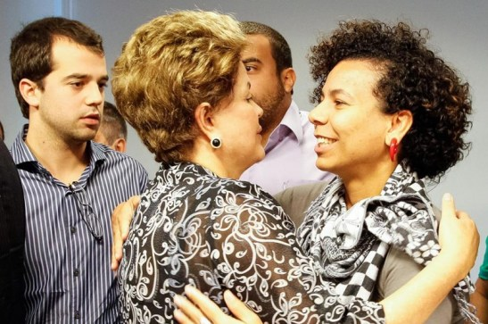 Áurea Carolina de Freitas (right), of the Fórum das Juventudes meets with President Dilma Rouseff to discuss demands of various organization after historic rallies throughout the country