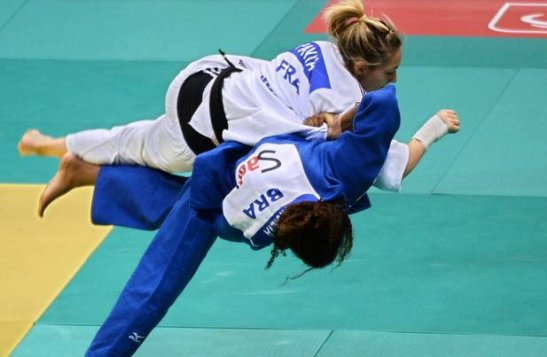 Silva defeated the French woman and number one ranked Automne Pavia on her way to the gold