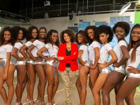 """Ten women compete to become the new """"Globeleza"""" beauty. The beauties surround actress Sheron Menezes (in red)"""
