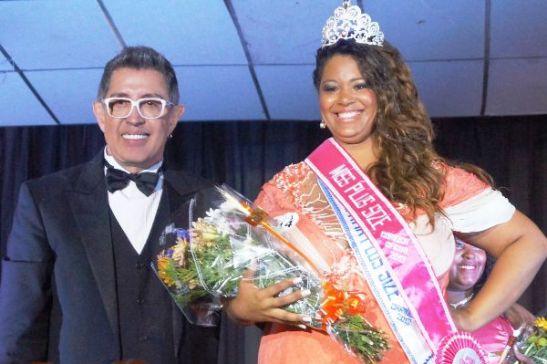 Josiane with contest organizer Eduardo Araúju