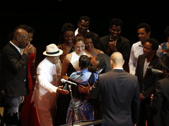 Ruth de Souza recebe homenagem em premiação de cinema (2)