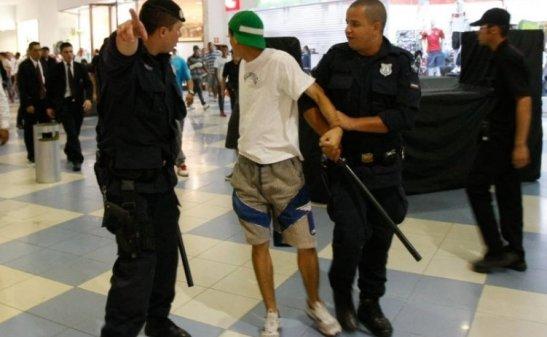 shopping Internacional Guarulhos (Grande SP) terminou em tumulto e com mais de 20 detidos