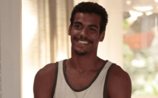 """In Globo TV's """"Em Família"""", Marcello Melo Jr. portrays the lowlife Jairo, who, besides trying to take advantage of everyone, is also a sex maniac."""