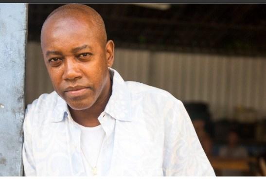 Nando Cunha is the Samba musician Dante, who spends his time in rodas de samba (Geração Brasil)