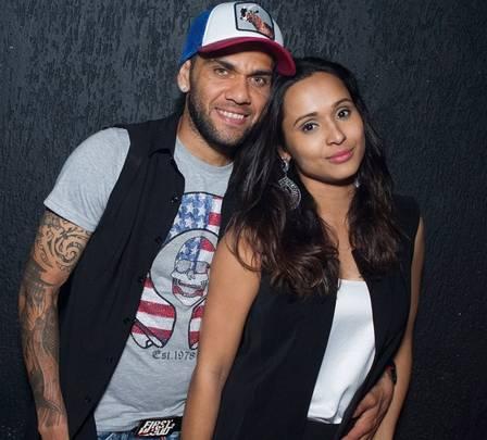 Daniel Alves with wife, actress Thaíssa Carvalho