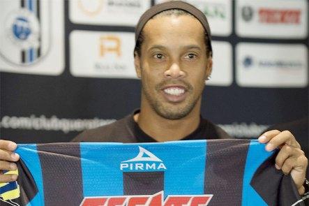Ronaldinho Gaúcho at a press conference announcing his signing with Club Queretaro in México