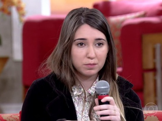 """After being caught calling a black goalkeeper """"monkey"""" on camera, futebol fan Patrícia Moreira also appeared on 'Encontro' to offer an explanation"""