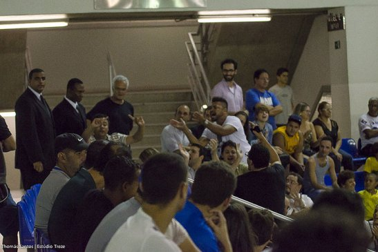 Other fans repudiate the racist heckling by Jefferson Gonçalves de Oliveira