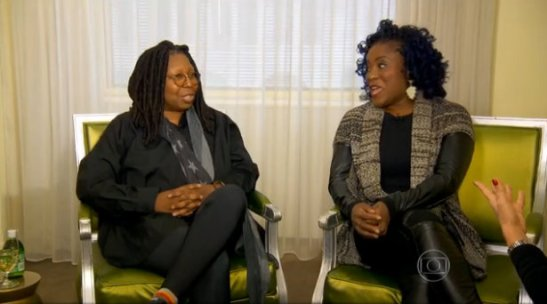 Goldberg and Hils sit together for an interview about the Brazilian musical adaption of the film 'Sister Act', released as 'Mudança de Hábito' in Brazil