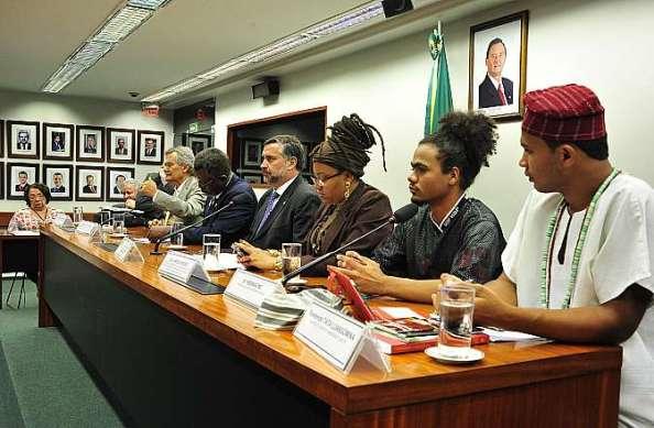 Audiência pública na Comissão de Direitos Humanos da Câmara discutiu a violência contra a juventude negra