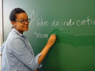 luciana pc3b6lc3b6nen dc3a1 aulas de portuguc3aas em espoo na finlc3a2ndia