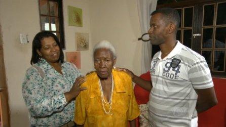 Leonides Victorino with her grandchildren