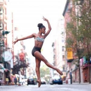 The Brazilian dancer Ingrid Silva is a soloist of the Dance Theatre of Harlem in New York (Photo: Omar Z. Robles)