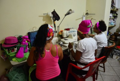 TS_Projeto-Nega-Rosa-atende-mulheres-de-comunidades-do-Rio-de-Janeiro_08102015003-850x563