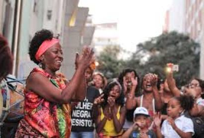 Black women in a political act in Belo Horizonte, Minas Gerais