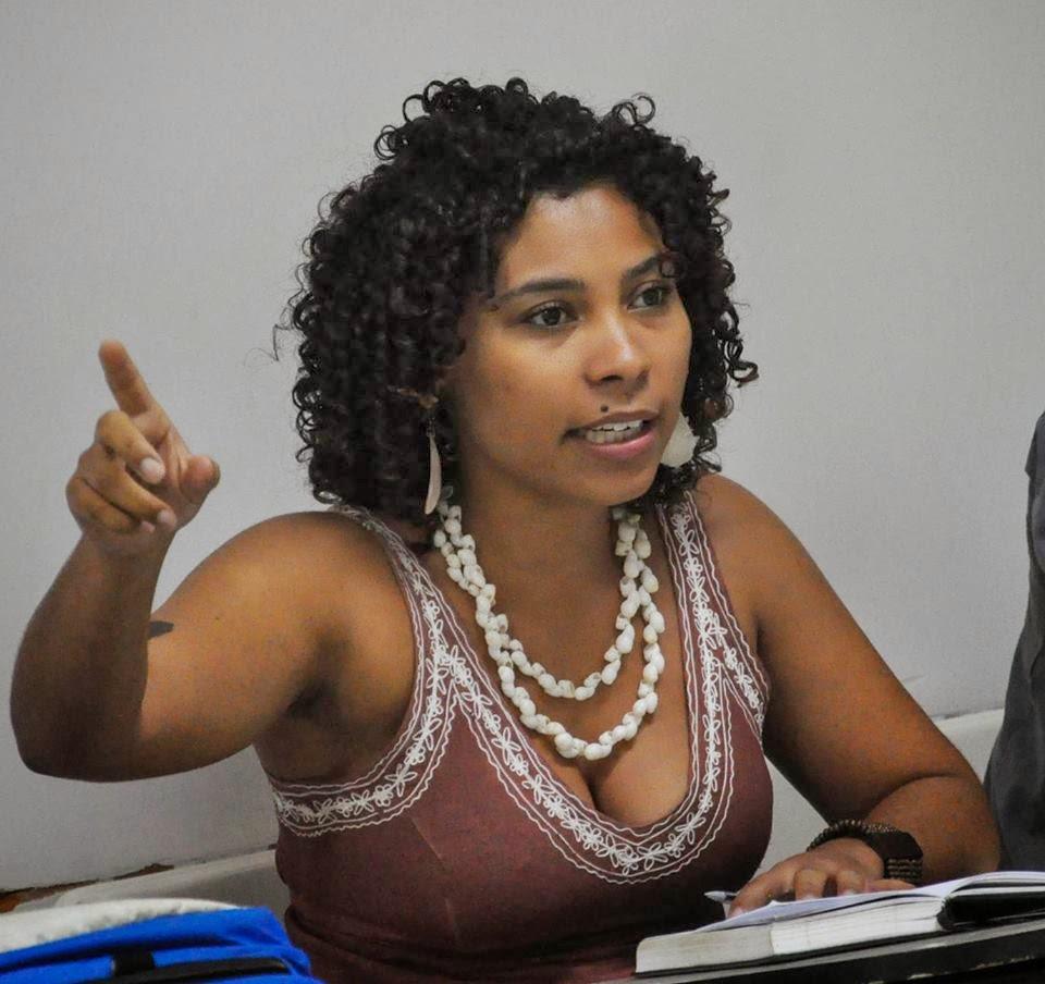Karla Alves