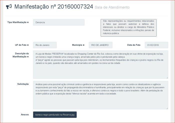 """GAROTO NEGRO PENDURADO PELOS PÉS, EM PROPAGANDA PARA CRIANÇAS EM LOJA DA """"RESERVA"""" NO SHOPPING RIO-SUL (3)"""
