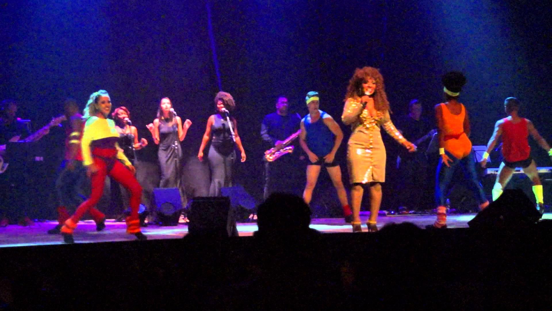 I Wanna Dance Somebody - Thalita Pertuzatti (Uma Saudação A Whitney Houston) São Paulo