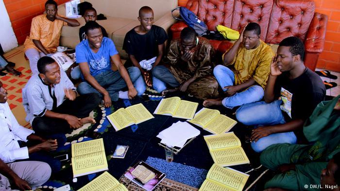 6convivio-entre-os-migrantes-senegaleses