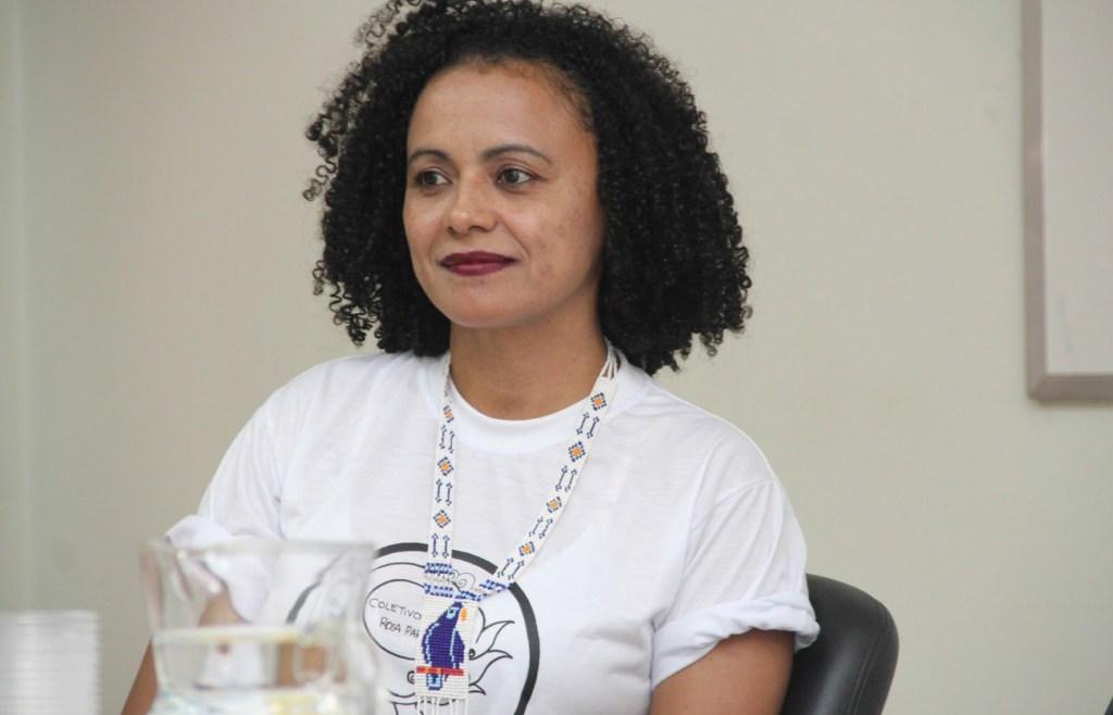 Negra sou! A construção identitária de mulheres negras universitárias (Dr. Luciana de Oliveira Dias)