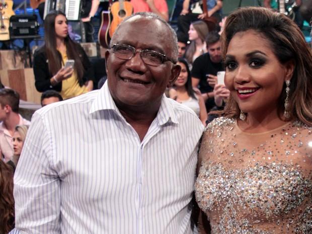 Gaby Amarantos com seu pai Conrado