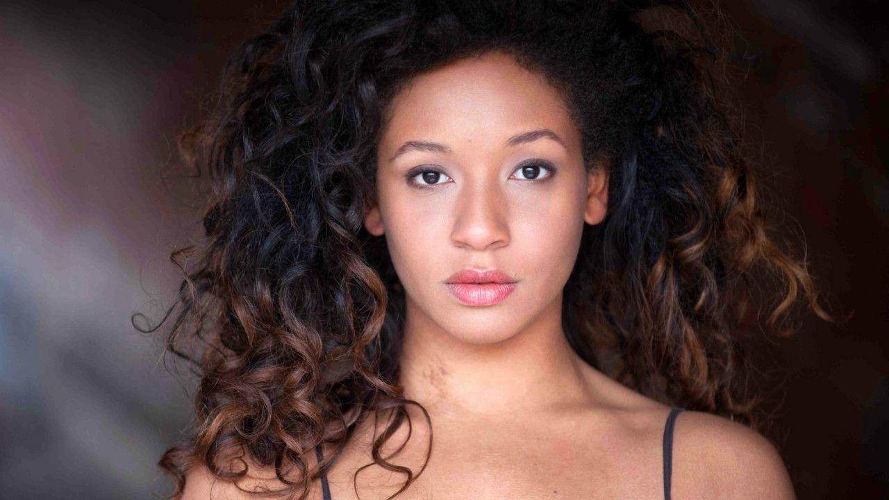 A cantora brasileira Nabiyah Be