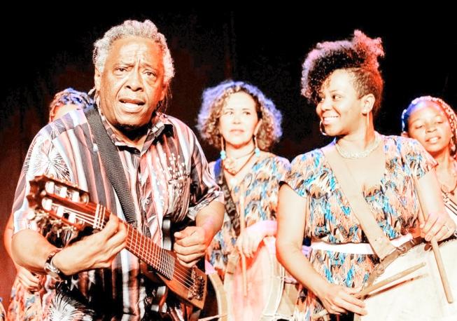 Tizumba celebra 60 anos de vida e 45 de carreira com show