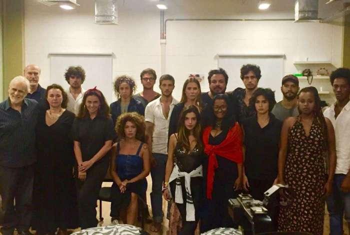Atores de 'Segundo Sol' fazem reunião de emergência na Globo para questionar falta de negros na novela