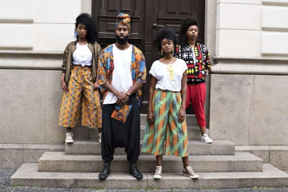 Estilo Afro online store reaching consumers in black community: site makes hard to find products available for Afro-entrepreneurs