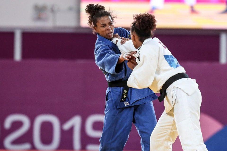 Rafaela Silva é ouro e judô brasileiro leva mais duas medalhas no Pan