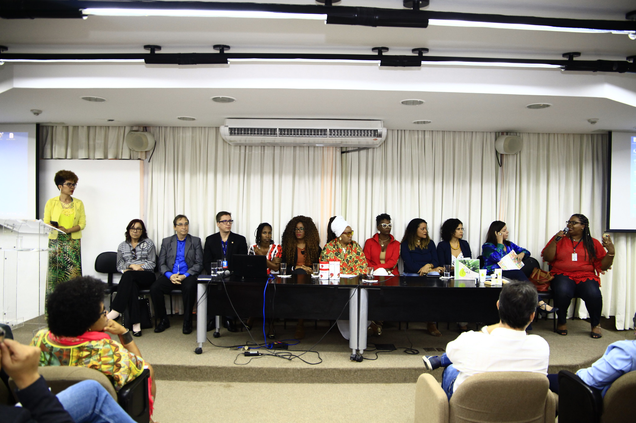 Entrepreneurship of black women: Cacho de Fibras serves clients