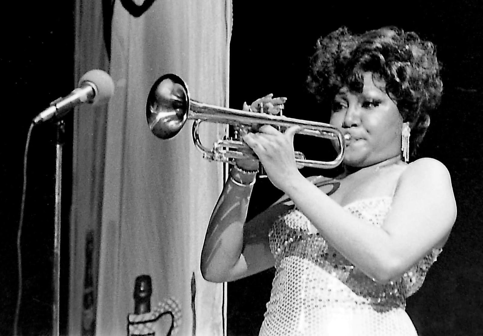 02 Alcione c trompete PICT1930