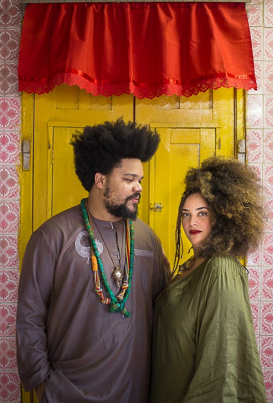 O pianista Amaro Freitas e a poeta e performer Luna Vitrolira - foto Rennan Peixe