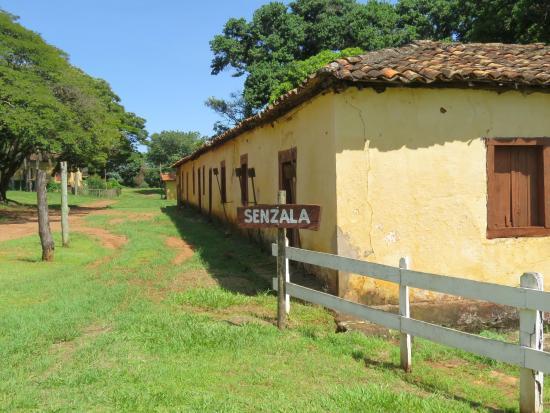 Senzala utilizada com os escravos - Foto de Fazenda Santa Maria