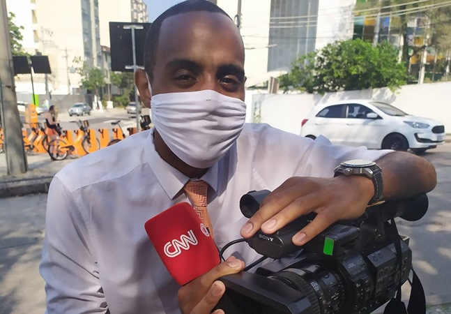 Black CNN Brasil journalist