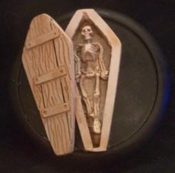 3 coffins random selection