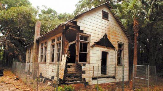 schoolhouse-black-1920s